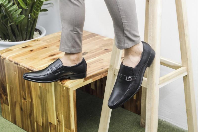 Dựa vào nguyên tắc nào để chọn mẫu giày nam chất lượng?