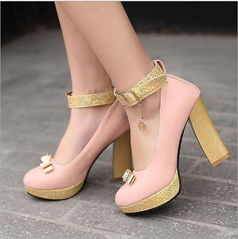 Giày Chunky sang chảnh khiến các cô nàng trông như các tiểu thư đài các.